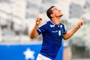Leandro Damião recomeça no Cruzeiro
